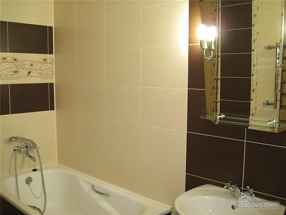 Квартира Ильичевск, 2х-комнатная (86218), 003