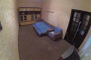Затишний будиночок центрі міста, 2-кімнатна, 002