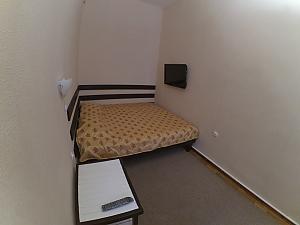 Затишний будиночок центрі міста, 2-кімнатна, 003