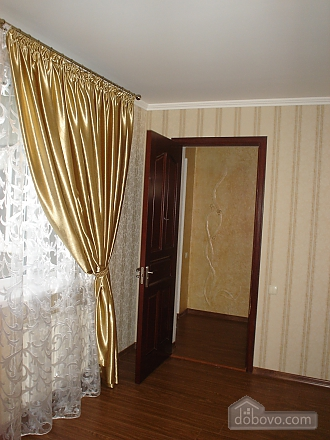Apartment on Levitana for 6-8 people, Two Bedroom (18229), 006