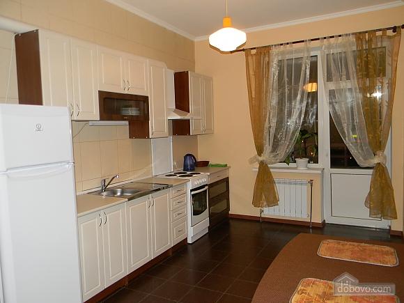 Квартира недалеко від аеропорту, 2-кімнатна (50201), 006