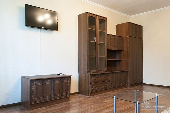 Apartment at Obolon, One Bedroom (70506), 002