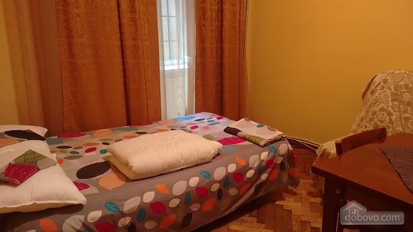 Квартира в центрі, 2-кімнатна (71914), 010