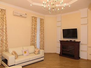 VIP apartment with jacuzzi and design at Maidan, Un chambre, 002