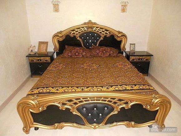A cozy house in Sauvignon, Three Bedroom (15536), 001
