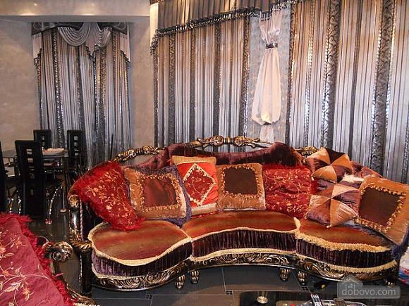 A cozy house in Sauvignon, Three Bedroom (15536), 005