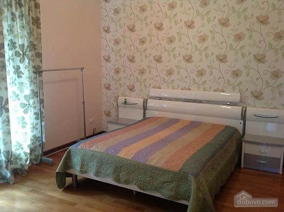 A cozy house in Sauvignon, Three Bedroom (15536), 021