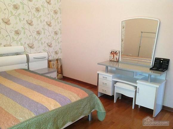 A cozy house in Sauvignon, Three Bedroom (15536), 022