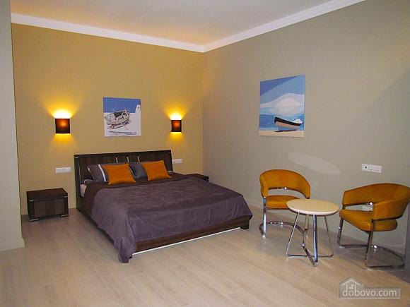 Шикарні апартаменти біля моря в районі Аркадії, 2-кімнатна (89272), 001