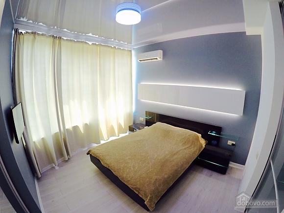 Апартаменти в 3 хвилинах від моря, 2-кімнатна (92761), 001