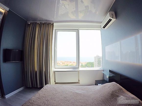 Апартаменти в 3 хвилинах від моря, 2-кімнатна (92761), 004