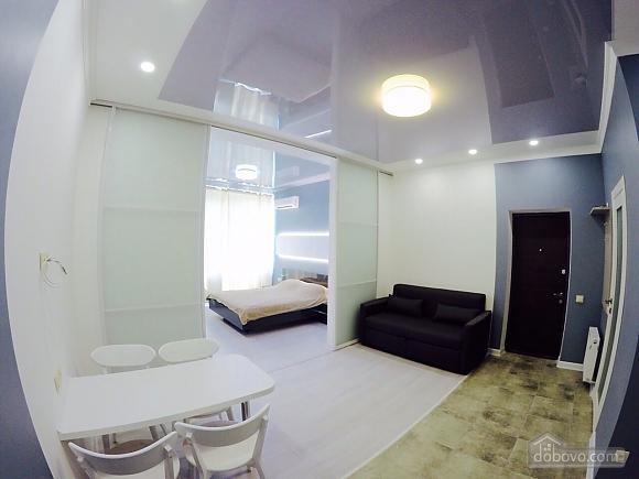 Апартаменти в 3 хвилинах від моря, 2-кімнатна (92761), 008