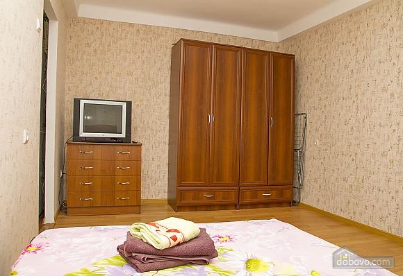 Vynohradar, Studio (35985), 008