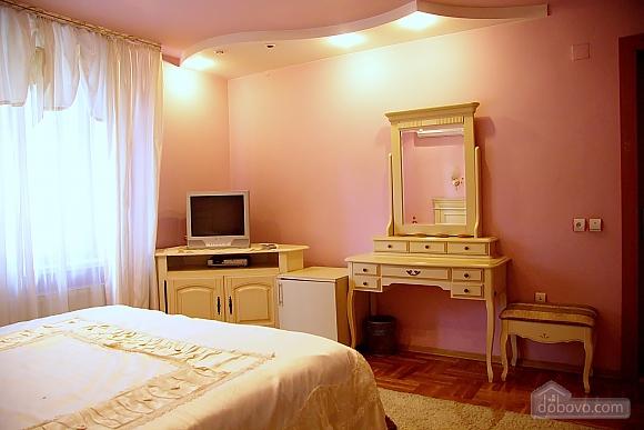 Апартаменты в элитной вилле, 1-комнатная (59985), 002