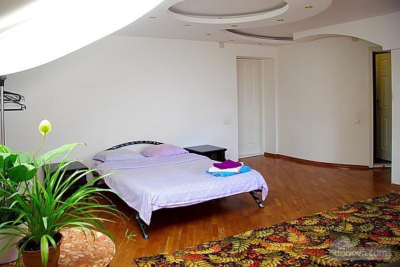 Апартаменты в элитной вилле, 1-комнатная (13673), 001