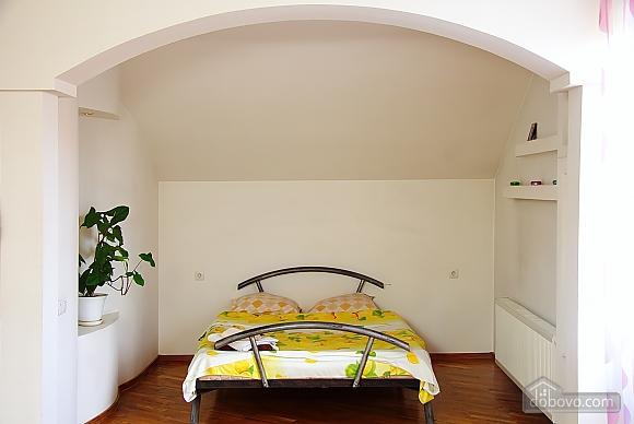 Апартаменты в элитной вилле, 1-комнатная (13673), 005