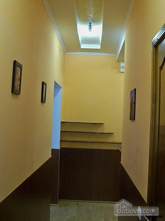 Квартира люкс с автономным отоплением, 2х-комнатная (54784), 005