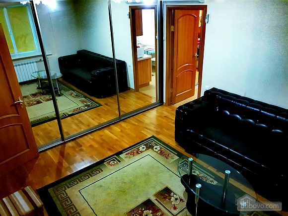 Apartment on Pechersk, One Bedroom (14964), 002