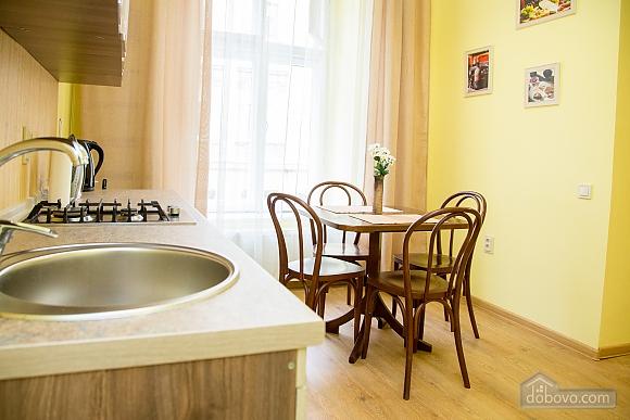 Затишні апартаменти біля площі Ринок, 1-кімнатна (52879), 002