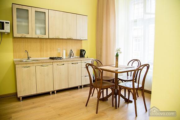 Затишні апартаменти біля площі Ринок, 1-кімнатна (52879), 003