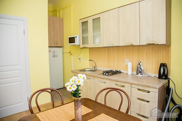 Затишні апартаменти біля площі Ринок, 1-кімнатна (52879), 006