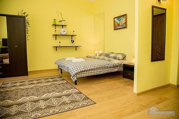 Уютные апартаменты возле площади Рынок, 1-комнатная (52879), 010