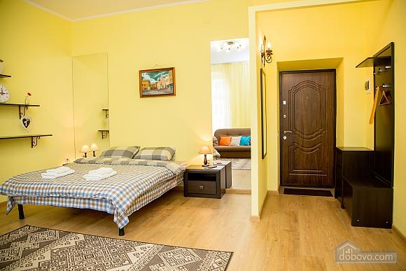 Затишні апартаменти біля площі Ринок, 1-кімнатна (52879), 012