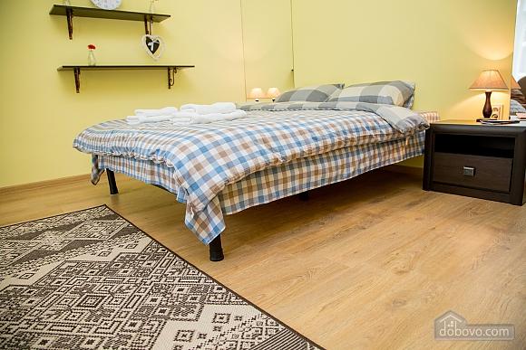 Затишні апартаменти біля площі Ринок, 1-кімнатна (52879), 016