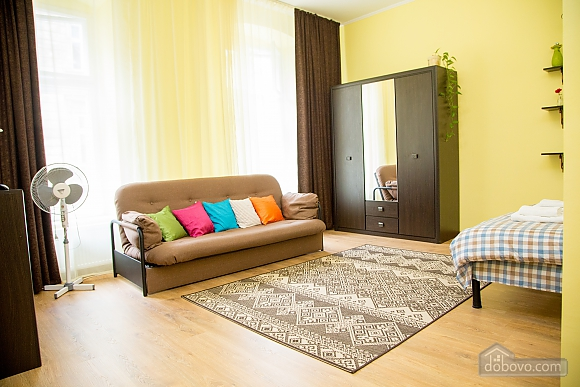 Затишні апартаменти біля площі Ринок, 1-кімнатна (52879), 021