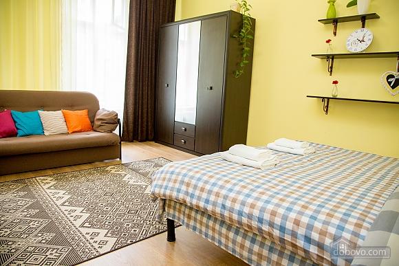Затишні апартаменти біля площі Ринок, 1-кімнатна (52879), 022