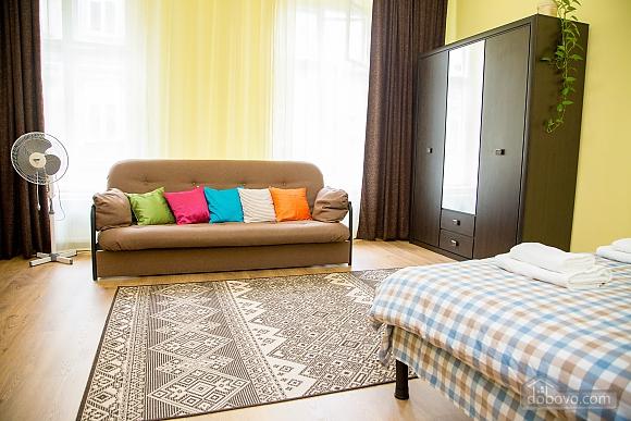 Затишні апартаменти біля площі Ринок, 1-кімнатна (52879), 023