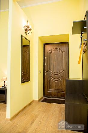 Затишні апартаменти біля площі Ринок, 1-кімнатна (52879), 024
