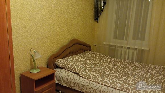 Квартира возле Медицинского университета, 2х-комнатная (46182), 001