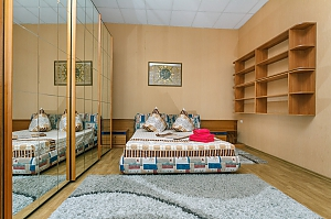 1 minute from Olimpiiska metro station, One Bedroom, 002