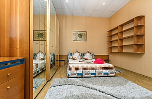 1 minute from Olimpiiska metro station, One Bedroom, 003
