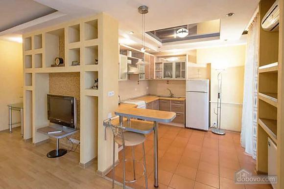 Апартаменты в Харькове, 2х-комнатная (71820), 004