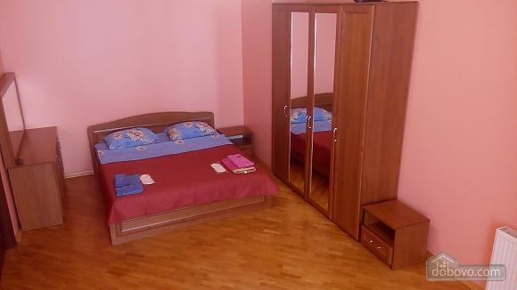 Квартира в уютной крупногабаритной новостройке, 1-комнатная (49407), 001