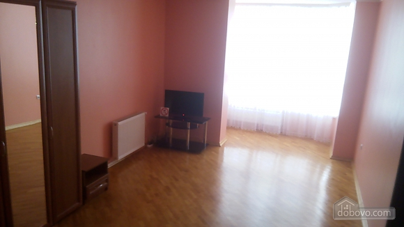 Квартира в уютной крупногабаритной новостройке, 1-комнатная (49407), 002
