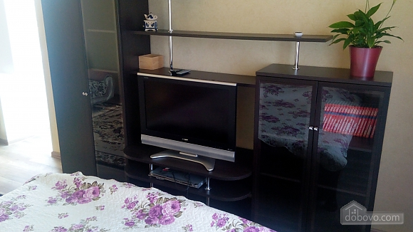 Отличная квартира в центре Южного, 2х-комнатная (63004), 002