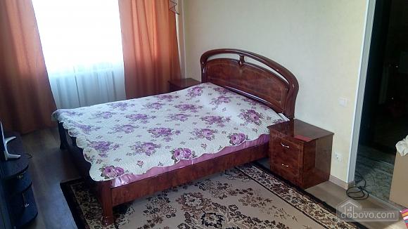 Отличная квартира в центре Южного, 2х-комнатная (63004), 001