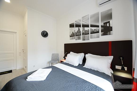 Designed studio apartment with balcony, Monolocale (26773), 002