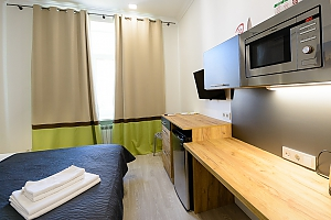 Modern street view studio apartment with shower, Studio, 003
