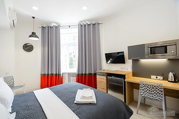 Designed street view studio apartment with shower, Studio (34939), 003