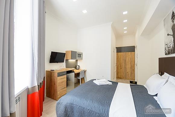Designed street view studio apartment with shower, Studio (34939), 004
