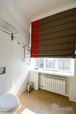 Designed street view studio apartment with shower, Studio (34939), 005