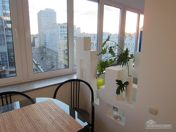 Light studio street view apartment with separate kitchen, Studio (20993), 013
