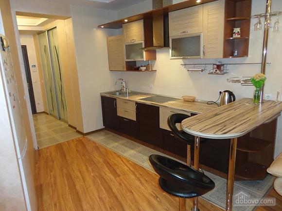 Роскошные апартаменты в Мост Сити с джакузи, 2х-комнатная (66157), 011