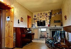 Просторная двухуровневая квартира, 3х-комнатная, 003