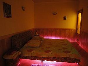 Просторная двухуровневая квартира, 3х-комнатная, 001
