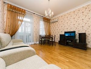 Beautiful apartment near Zoloti Vorota, Dreizimmerwohnung, 002